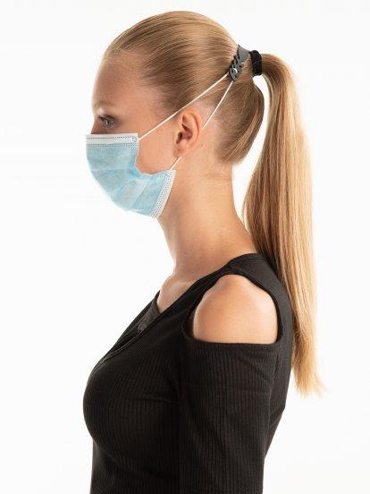 Face mask ear grip