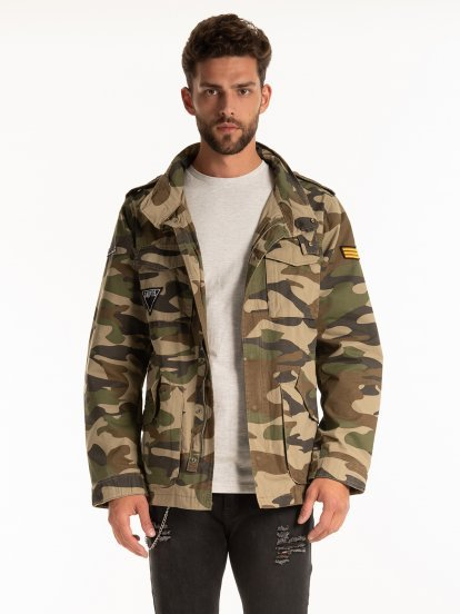CAMO PRINT COTTON PARKA WITH PATCHES