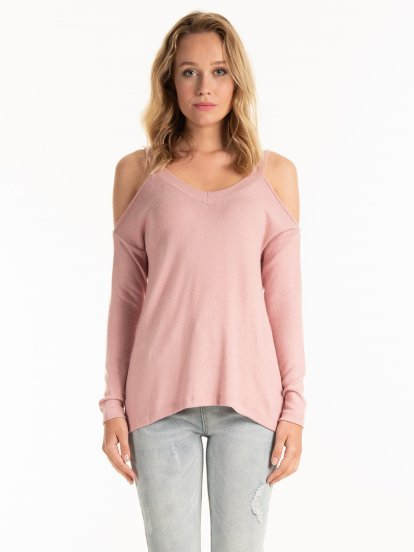Cold-shoulder jumper