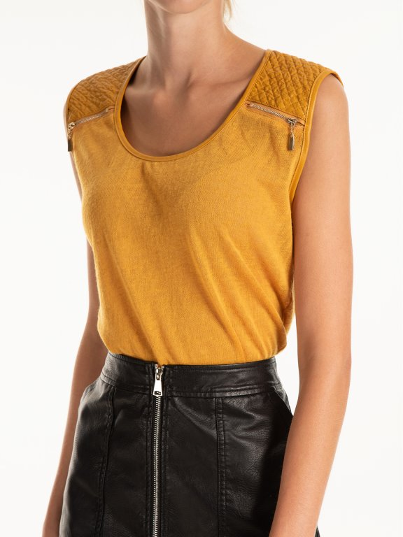 Combined sleeveles tio with zippers