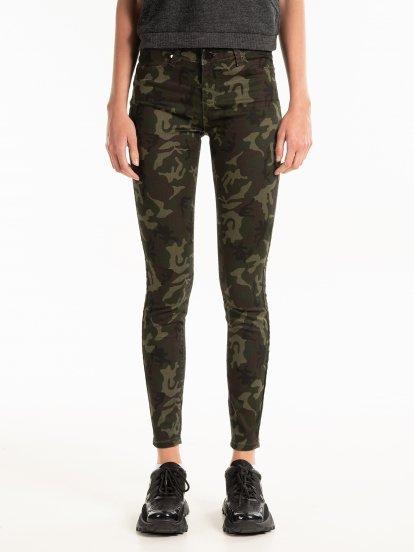 Camo print skinny trousers