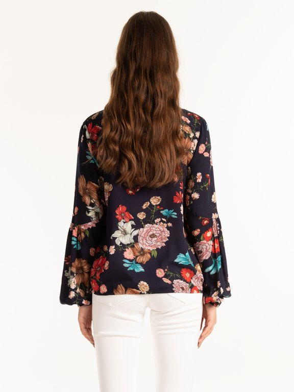 Wrap blouse with floral print
