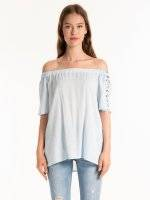OFF-THE-SHOULDER TOP WITH SLEEVE EMBROIDERY