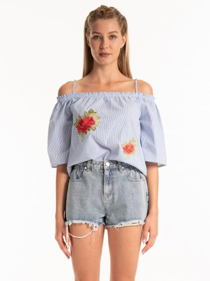 STRIPED TOP WITH EMROIDERY