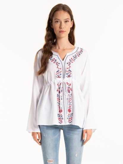 VISCOSE BLOUSE WITH EMBROIDERY
