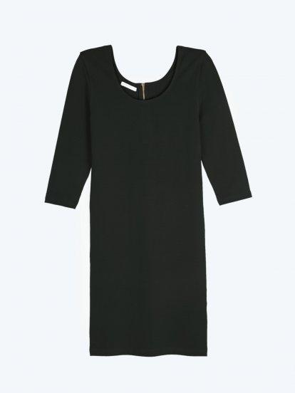 Jednobarevné popnuté šaty