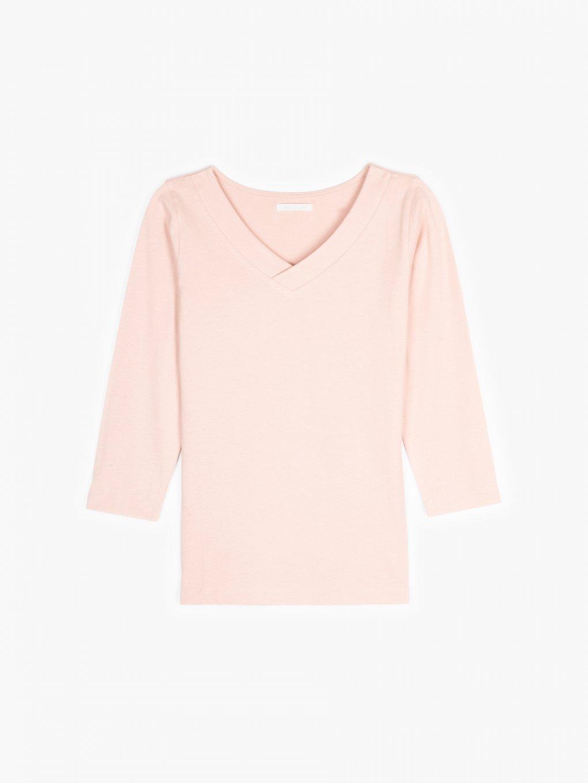 Jednoduché tričko s véčkovým výstřihem