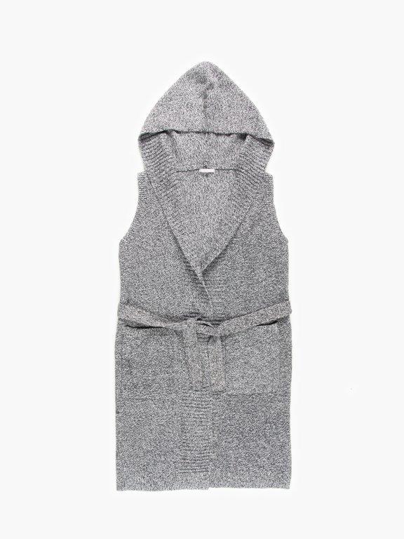 Pletená vesta s páskem