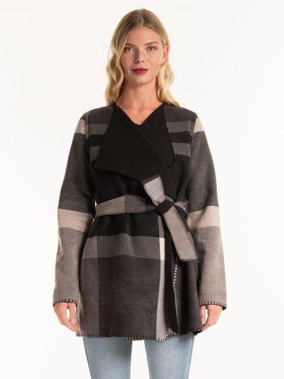 Károvaný kabát s páskem