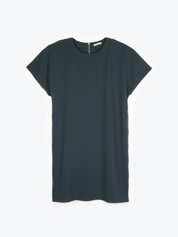 Základné tričkové šaty
