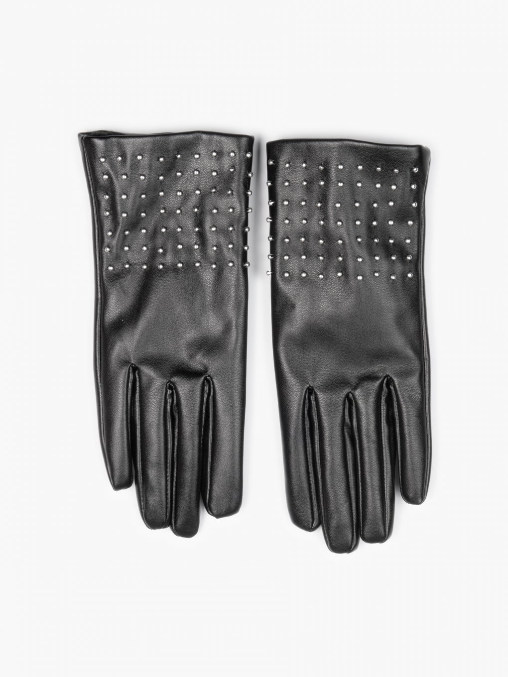 Gloves with studs