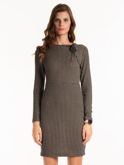 Wzorzysta sukienka Pepit