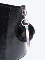 Key ring with pom pom
