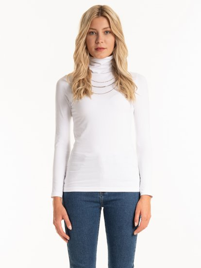 Basic cotton turtleneck t-shirt