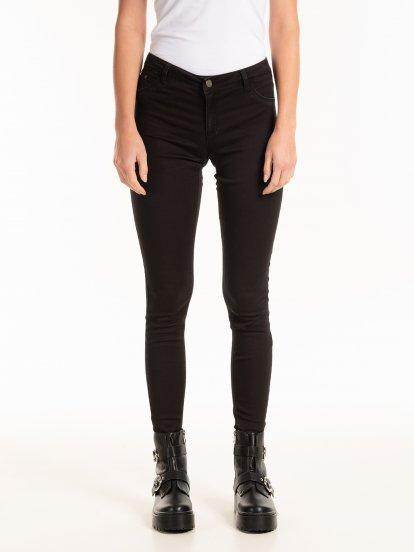 Základné džínsy skinny s nízkym pásom