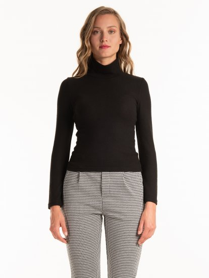 Long sleeve marled turtleneck top