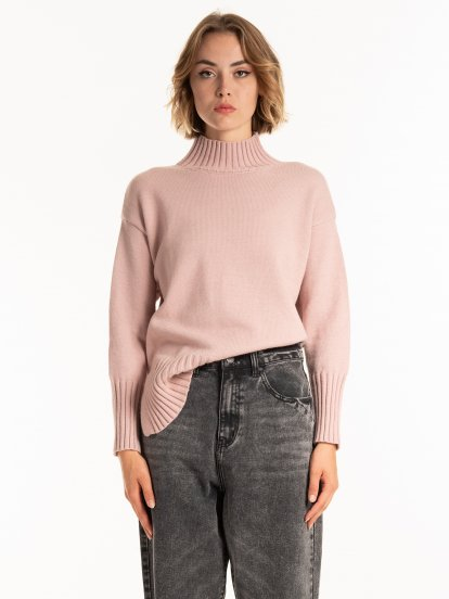 High collar jumper