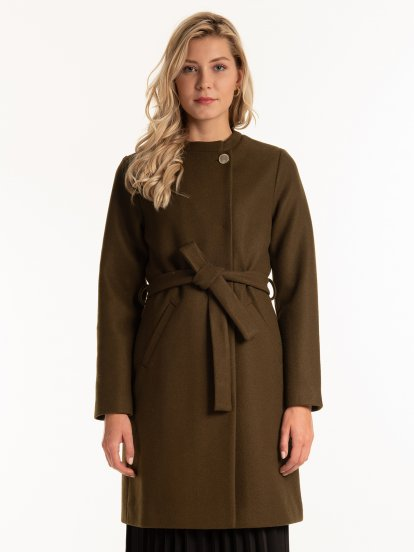 Plain coat with belt
