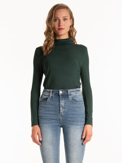 Basic roll neck t-shirt