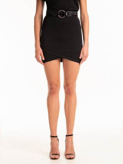 Púzdrová mini sukňa