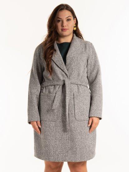 Vzorovaný kabát s páskem