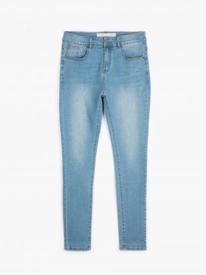 Jednoduché džíny slim