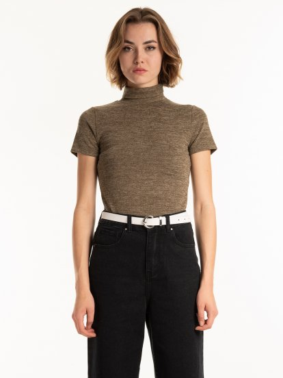 Short sleeve rollneck t-shirt
