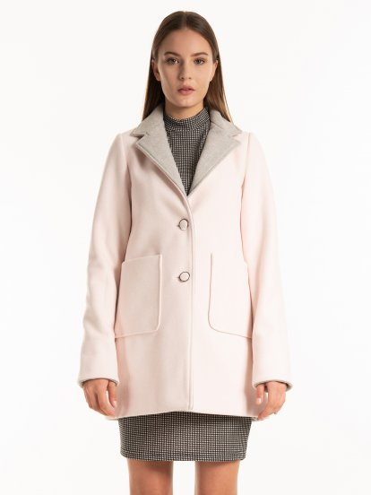 Coat with contrast lapel