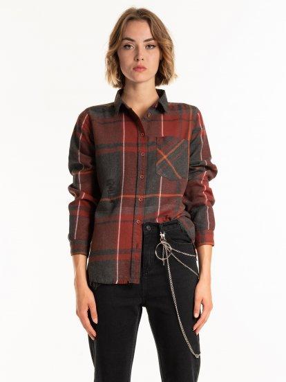 Károvaná košeľa s neopracovaným lemom