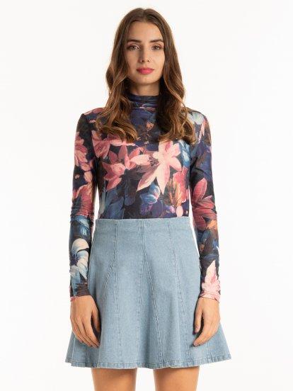 Tričko s kvetinovou potlačou s rolákom