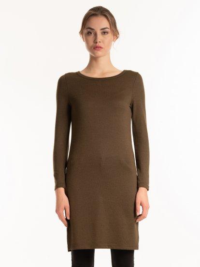 Fine knit longline top with side slits