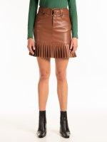Mini sukňa z imitácie kože