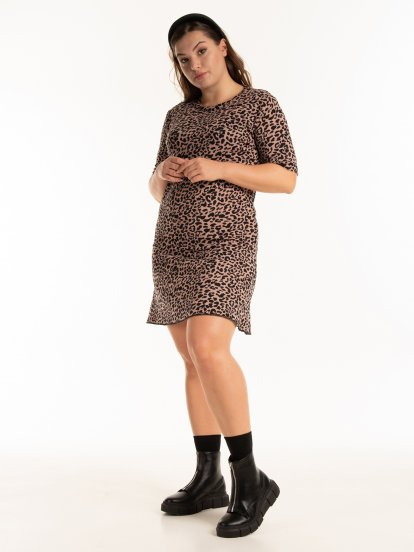 Šaty s leopardím potiskem