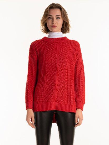 Strukturovaný svetr