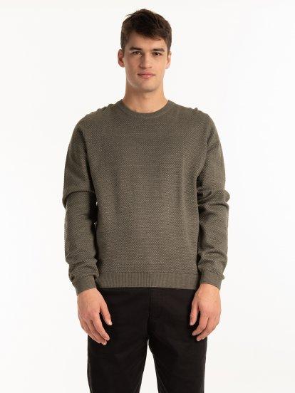 Sweter w strukturalny wzór