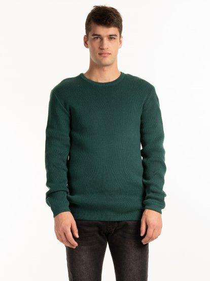 Rebrovaný pulóver