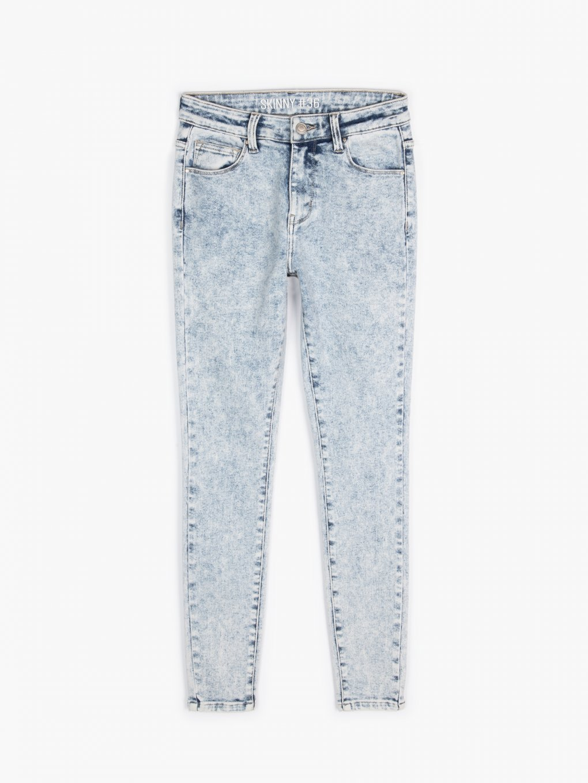 Bleach wash skinny jeans