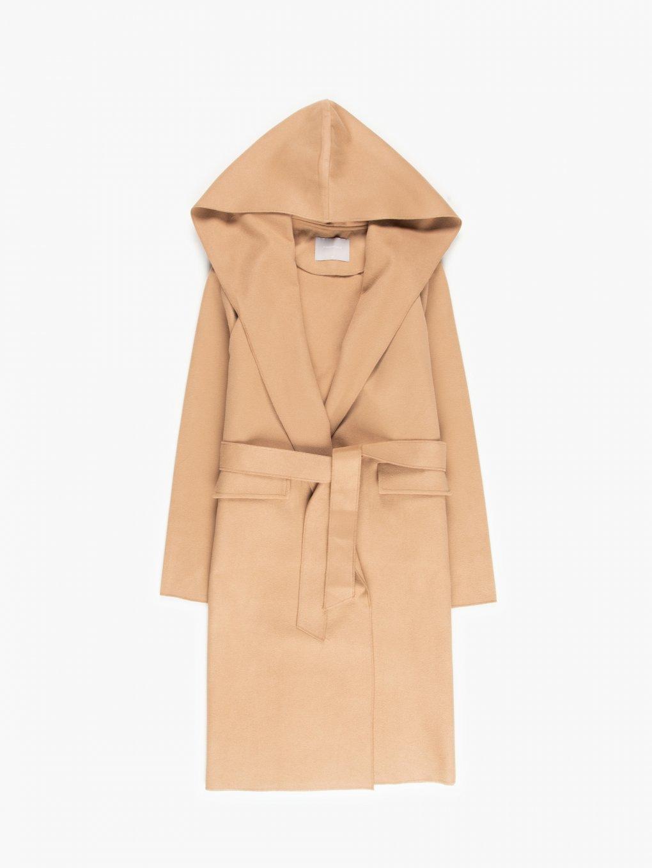 Płaszcz z paskiem