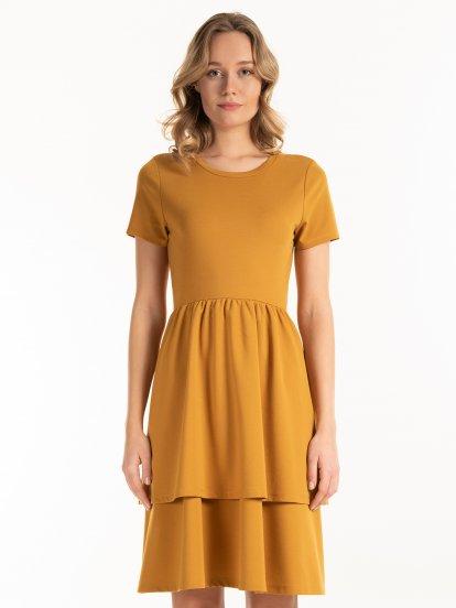 Áčkové šaty