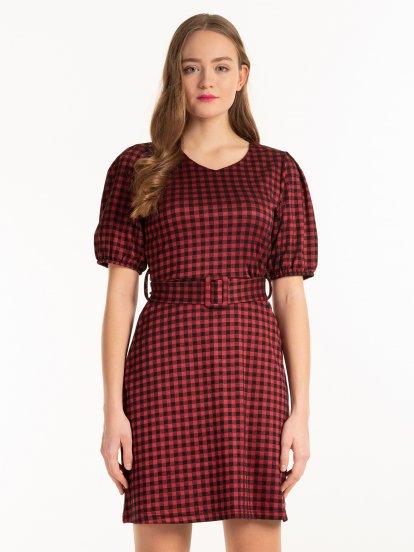 Kostkované šaty s nařasenými rukávy