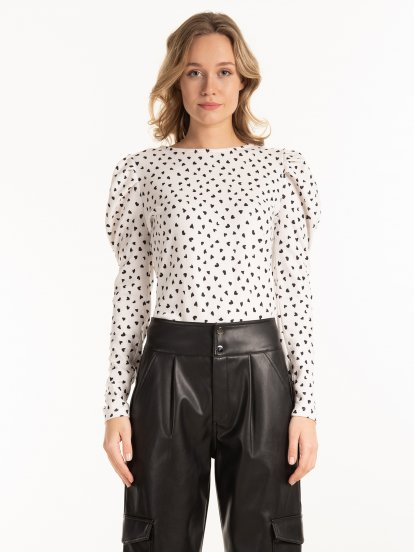 Puff sleeve printed top