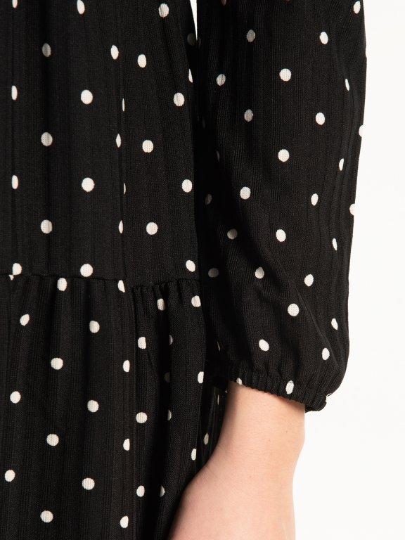Puntíkované žebrované šaty
