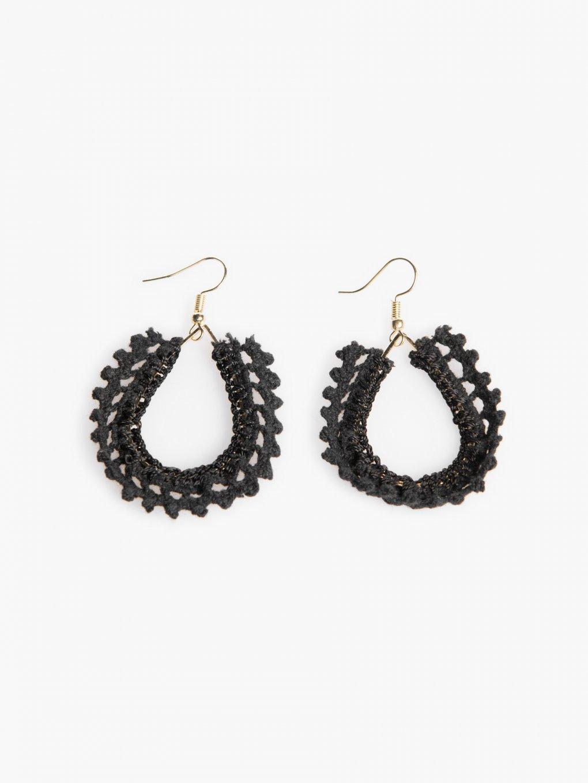 Earrings with crochet lace