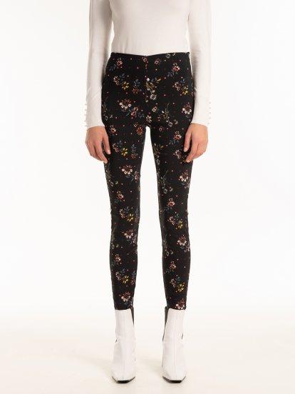 Floral print trouesrs