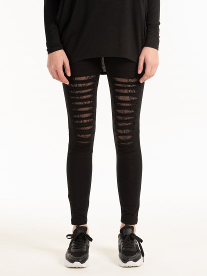 Damaged leggings with lace