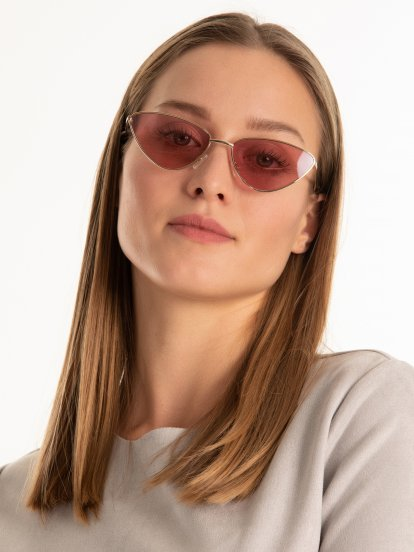 Cat eye sunglasses with pink lenses