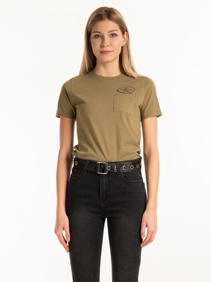 Cotton t-shirt with chest pocket