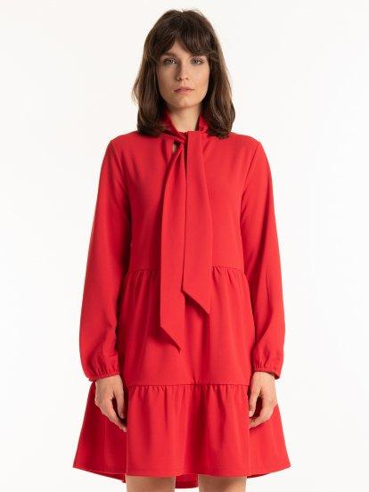 Volánové šaty s mašľou