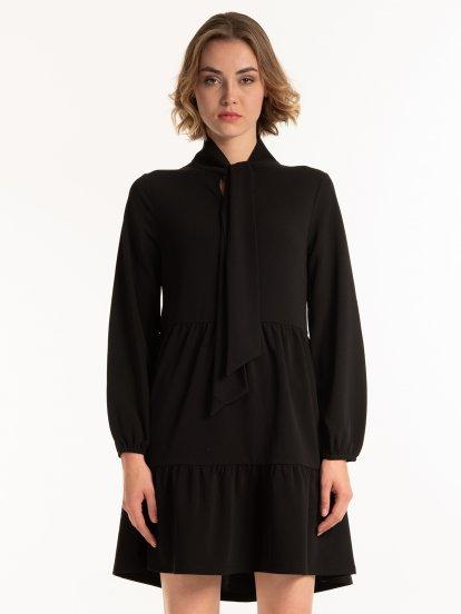 Volánové šaty s mašlí