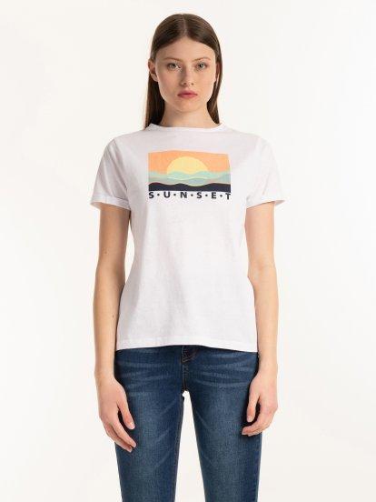 T-shirt wykonany z bawełny organicznej z nadrukiem